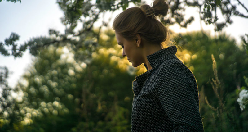large_throw-like-a-girl-5hfwl6hs